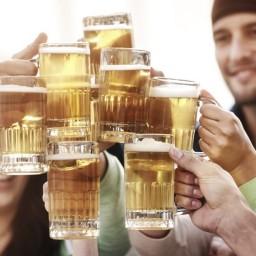 Los estudiantes que beben vivo o cerveza siguen vidas más saludables